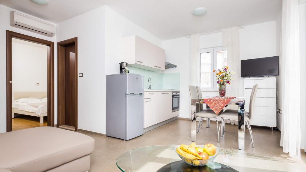 Apartments Bol