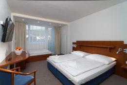 dvojlůžkový s přistýlkou a balkonem - Hotel Astra Špindlerův mlýn