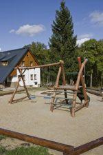 Chata Nisanka s pohledem na dětské hřiště - Chata Nisanka