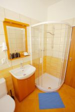 Double Room Shower, toilet, bathroom, hairdryer, SAT TV, cable TV.   - ADEBA
