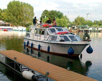 Viking 1000 připlouvá do přístavu Praha Holešovice - SP Praha s.r.o.