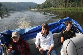 Viking 800 s partou mladých nadšenců zdolává jednotlivé přehrady vltavské vodní kaskády - SP Praha s.r.o.