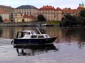 Brekken 750 projíždí centrem Prahy - SP Praha s.r.o.