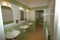 Hostel - koupelna - SKLEP accommodation - apartmány a hostel v centru Prahy